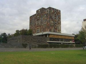 800px-CU-Mexico-biblioteca-2 - copia